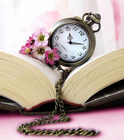ساعت و زنجير و كتاب