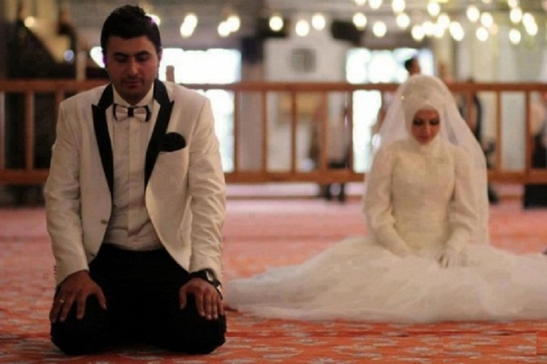 نماز عروس و داماد