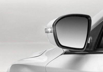 ماشین، آینه، شانه