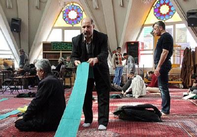مسجد، خادم، درآمد