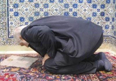 نماز، نشسته، زانو