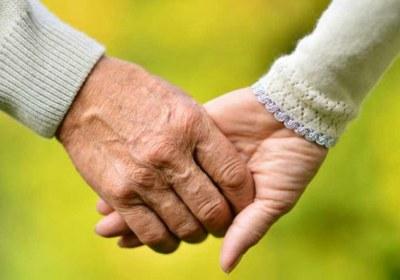 ازدواج فرد جوان با فرد مسن