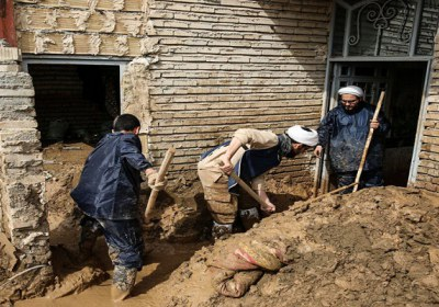 امداد رسانی به سیل زدگان