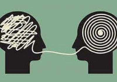 عشق و علاقه محور انسانیت است یا عقل و اندیشه ملاک انسانیت است؟