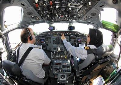 شغل، خلبان، زن
