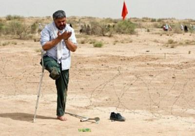 ترتیب قیام و نماز خواندن با عصا